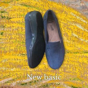 Clarks Women's Bleu Sued Flat shoes Size 7,5